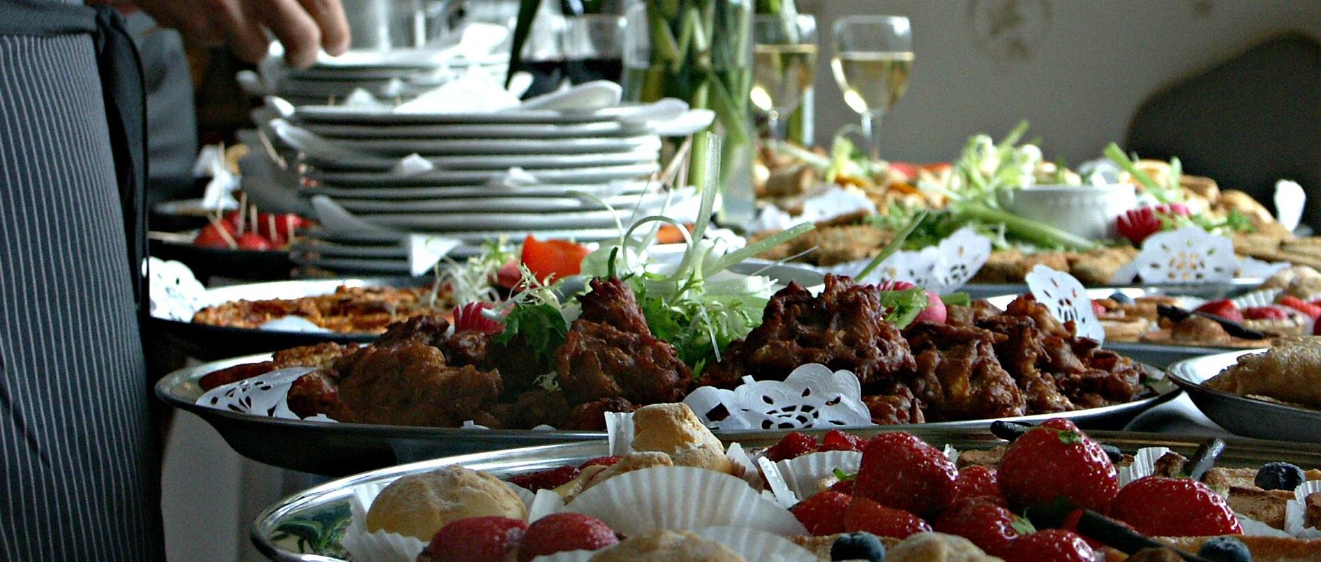 food-1682437_1920-wide